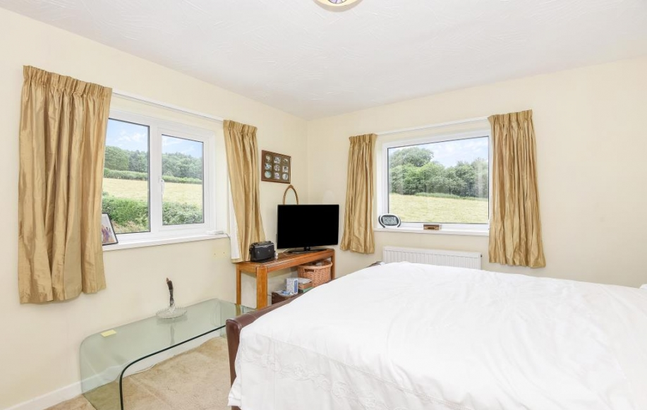 3 bed house for sale in hay on wye clyro hr3 2413599 Difference between master bedroom and ensuite