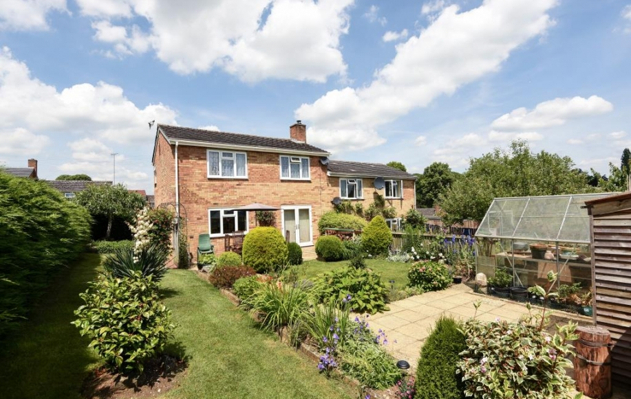 Bed House For Sale In Henley On Thames