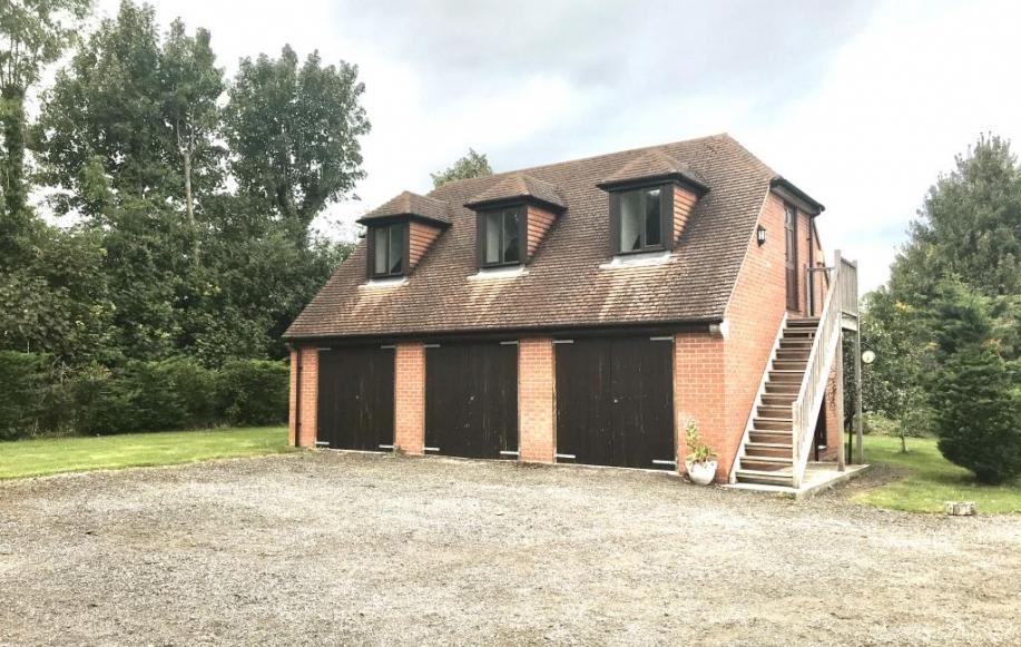 Garage and coachhouse