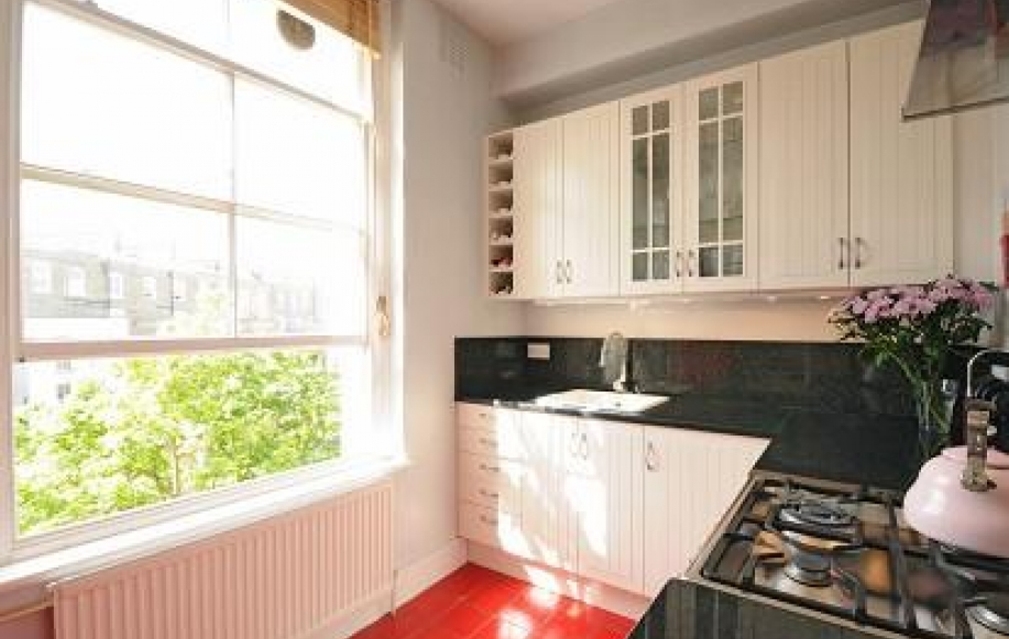 Kitchen (shot 1)