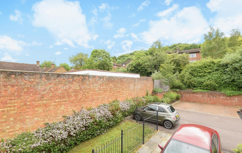 Reception Room High Wycombe For Sale