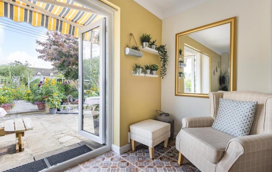 Living Area/Patio
