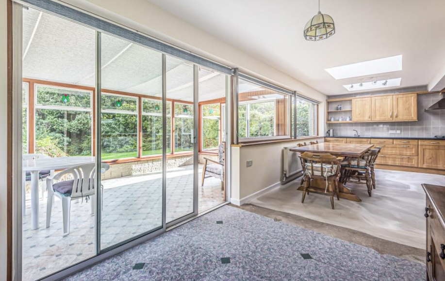 Breakfast Room leading to Conservatory