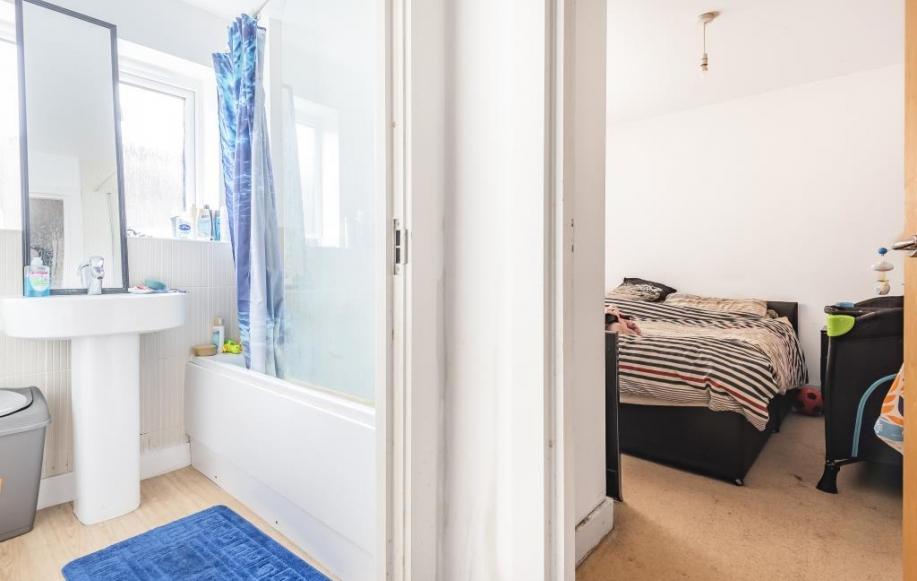 Bedroom/En suite