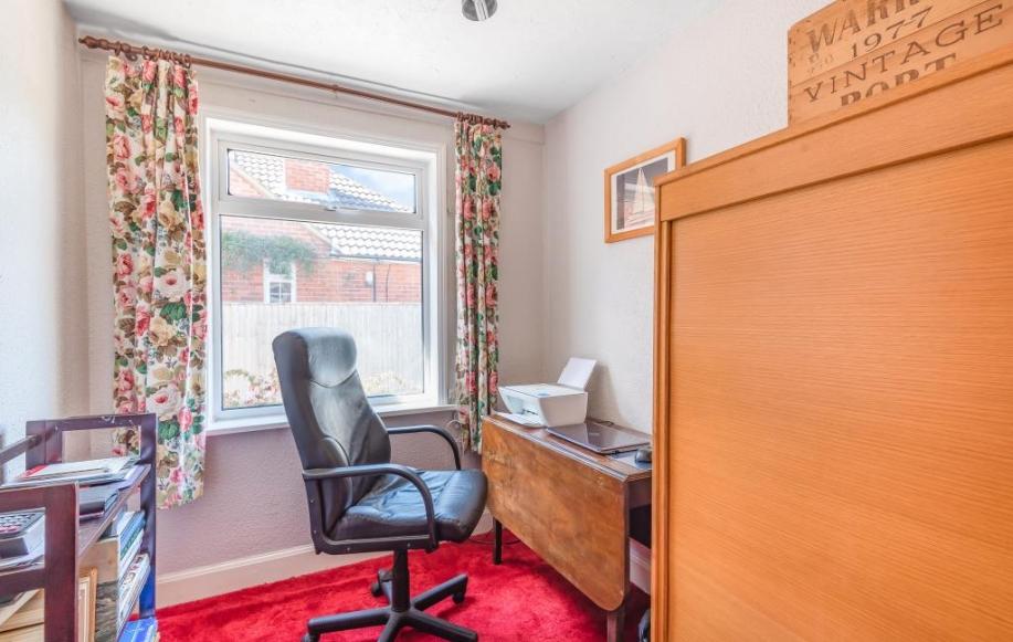 Office /Bedroom 5