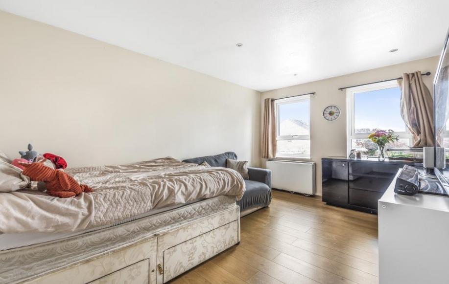 Bedroom/Reception
