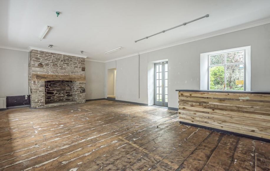 Shop Area/Living Room