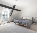 Front top bedroom