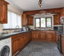 Comprehensively fitted kitchen/breakfast room