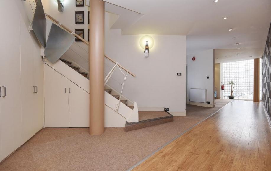 Reception/Stairwell