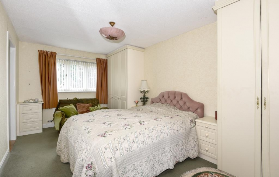 4 bed house for sale in leominster herefordshire hr6 2425582 Difference between master bedroom and ensuite