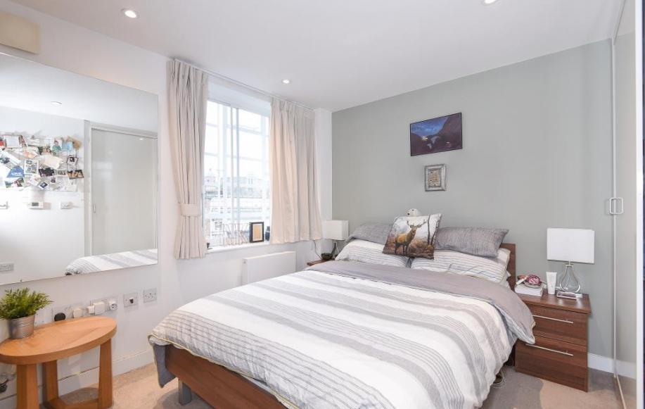 Studio Room (Bed Area)