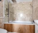 Batharoom with Shower