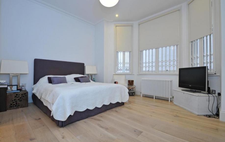 Master Bedroom (shot 1)