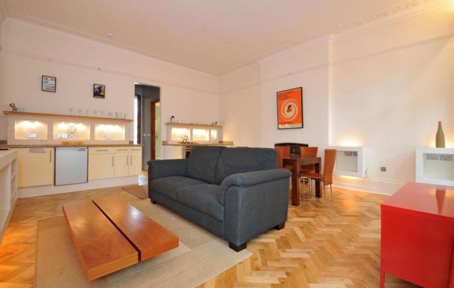 Spacious Reception Room (shot 2)