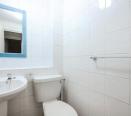 Toilet/bathroom/mirror