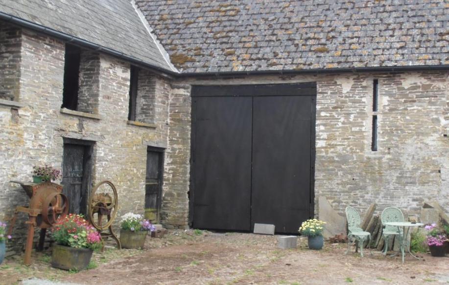 Range of period stone barns