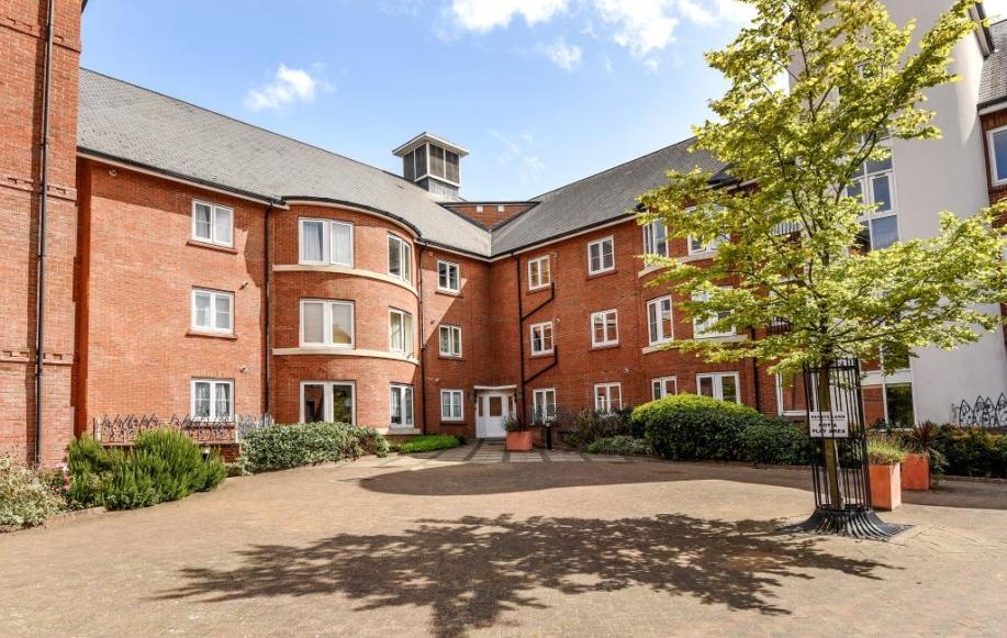 Quakers Court Apartments