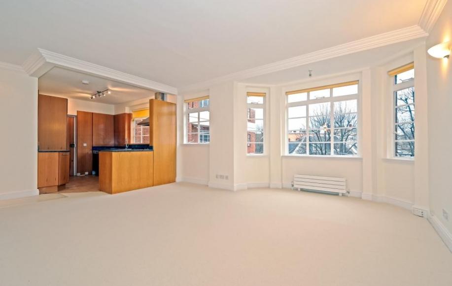 Reception Room (shot 1)