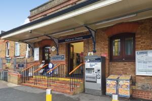 Walton on Thames train station