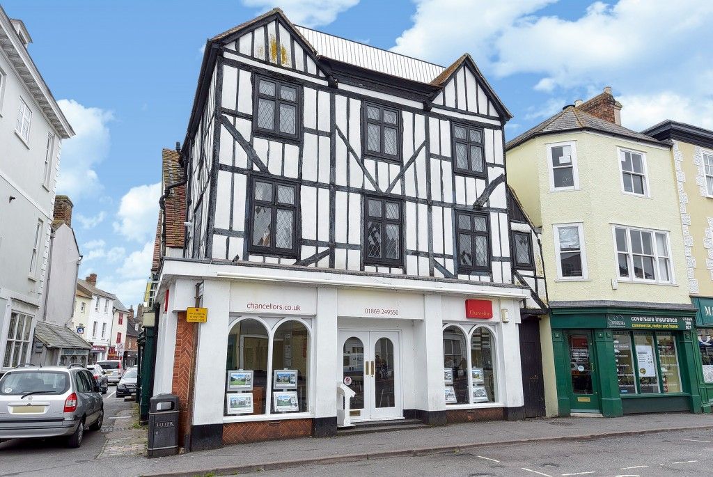 Estate agents in Bicester