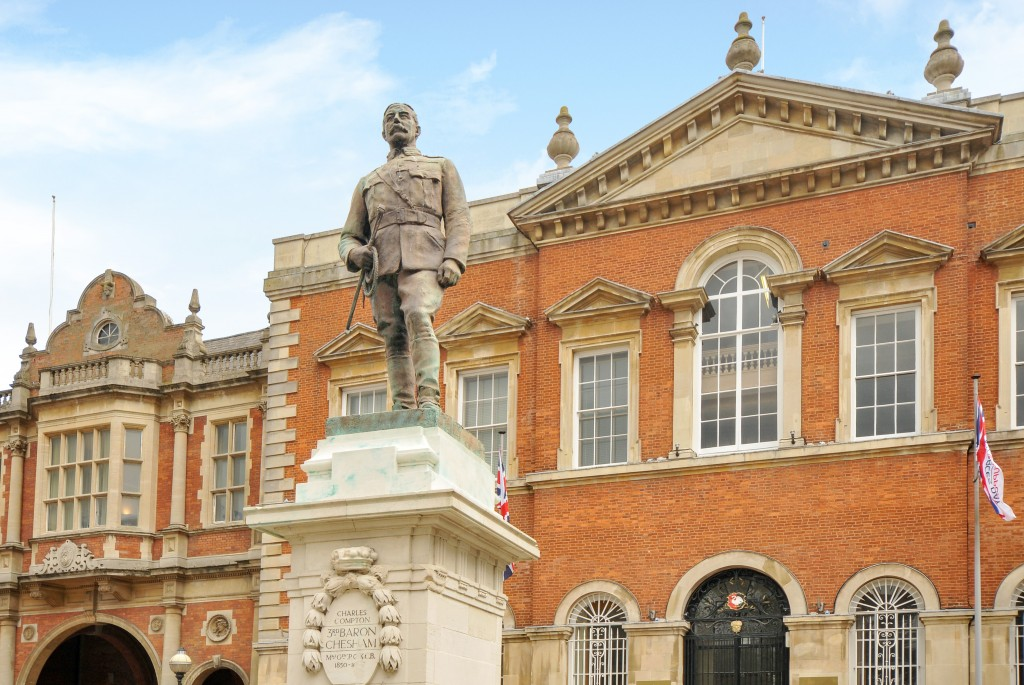 Charles Compton statue in Aylesbury