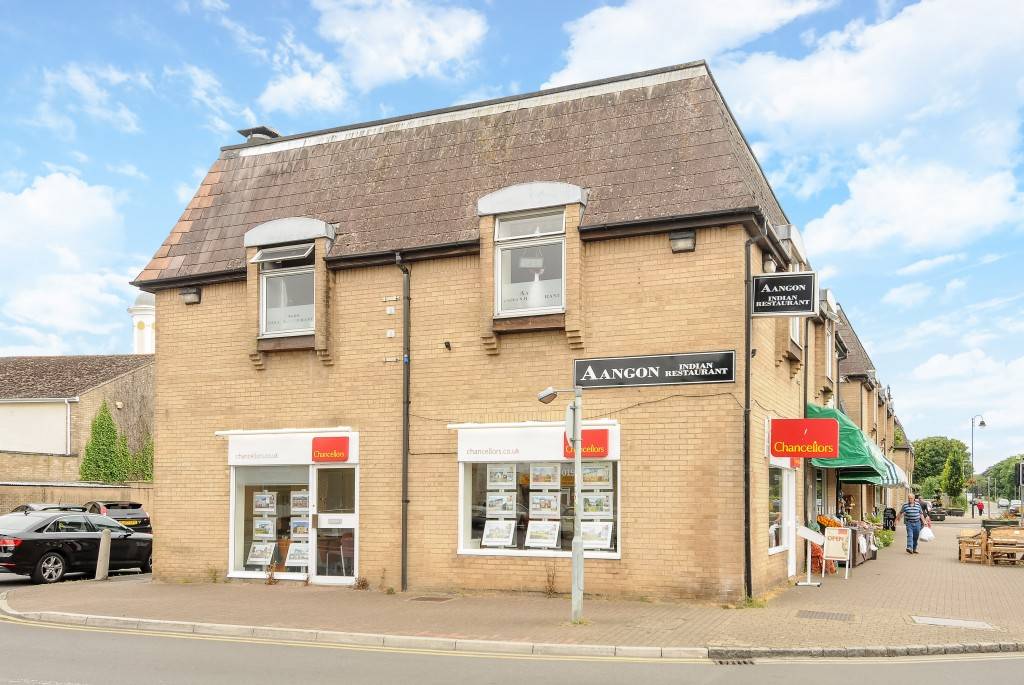 Estate agents in Carterton